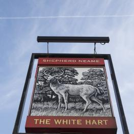 The White Hart Cuxton Swingsign